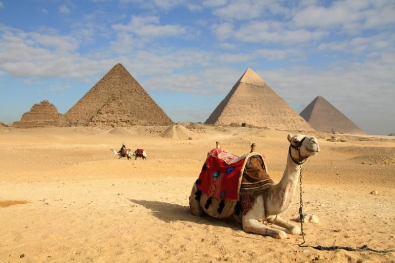 PRIVATE TOUR TO THE PYRAMIDS OF GIZA, SAQQARA THE STEP PYRAMID & THE RED PYRAMID